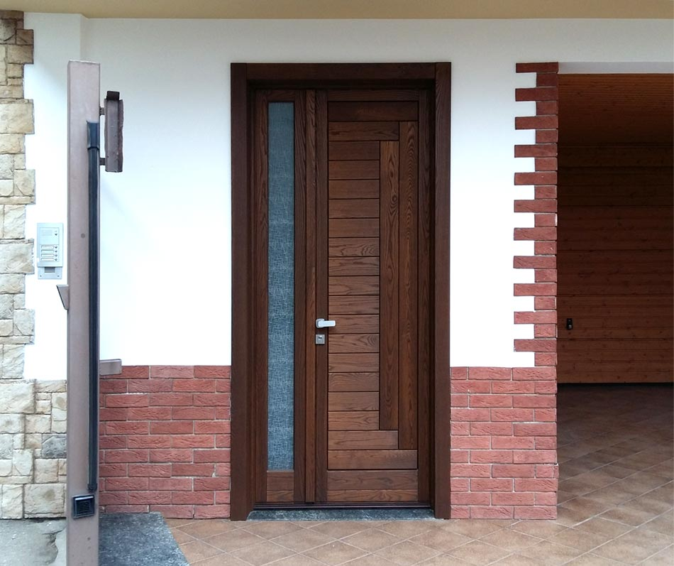Portoncino di ingresso in legno falegnameria regalli - Porte ingresso vetro ...