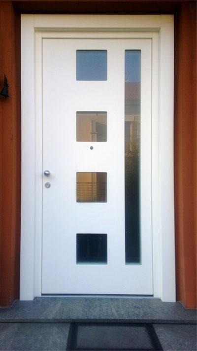 porta bianca in legno